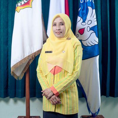 Dra. Titik Suryani P